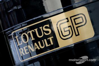 Renault supplies Red Bull, Renault and Lotus