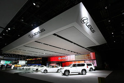 Lexus Stand