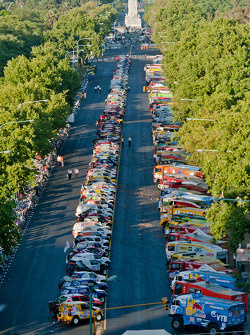 Bikes, cars and trucks lineup in Buenos Aires