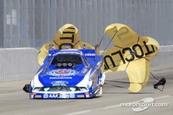 Robert Hight deploys his parachutes in his Auto Club Ford Mustang Funny Car