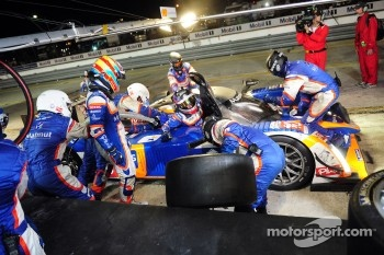Loic Duval takes over for Nicolas Lapierre during the final pit stop
