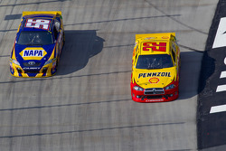 Martin Truex Jr., Michael Waltrip Racing Toyota and Kurt Busch, Penske Racing Dodge