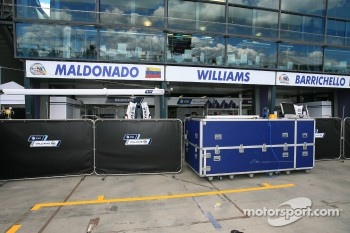 Williams pits