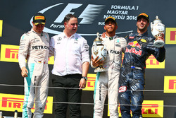 Podium: winner Lewis Hamilton, Mercedes AMG F1 Team, second place Nico Rosberg, Mercedes AMG F1 Team, third place Daniel Ricciardo, Red Bull Racing and Ron Meadows, Mercedes AMG F1 Team Manager