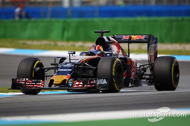 18. Daniil Kvyat, Scuderia Toro Rosso STR11