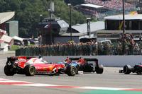 Formel 1 Fotos - Dreher: Sebastian Vettel, Ferrari SF16-H