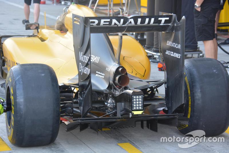Renault RS16: Heckflügel