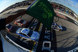 Start: Kevin Harvick, Stewart-Haas Racing, Chevrolet, führt