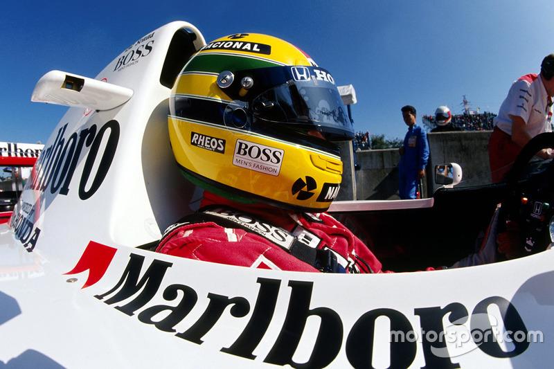 Startaufstellung: WM-Spitzenreiter Ayrton Senna auf Platz 2, während ...