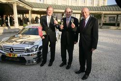 Dr. Hans-Henning Wiegmann from Henkell, Lord Mayor of Wiesbaden Helmut Muller adn Dr. Thomas Betzler, ITR Chairman