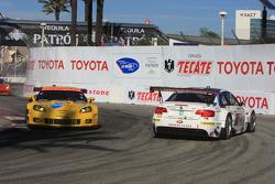 #55 BMW Motorsport BMW M3 GT: Bill Auberlen, Dirk Werner pushed by #3 Corvette Racing Chevrolet Corvette C6 ZR1: Olivier Beretta, Tom Milner