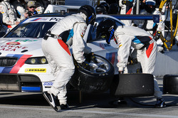 Pit stop for #56 BMW Team RLL BMW M3 GT: Dirk Müller, Joey Hand