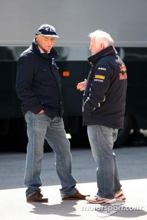 Niki Lauda talks with Norbert Vettel, Father of Sebastian Vettel