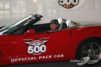 Buddy Rice tries out the 2005 Indianapolis 500 Pace Car for size