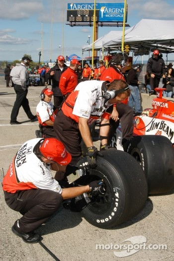 Tire pressure checking