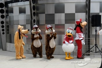 Pluto, Dale, Chip, Donald and Goofy line up for a grand entrance