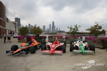 The cars of the IndyCar Series 2007 Championship contenders Scott Dixon, Dario Franchitti and Tony Kanaan during a photo shoot on Navy Pier in Chicago