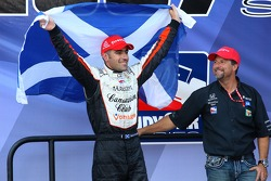 Victory lane: Dario Franchitti celebrates the win and the 2007 IndyCar Series championship with Michael Andretti
