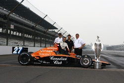 Dario Franchitti and Andretti Green owners with the Borg-Warner trophy