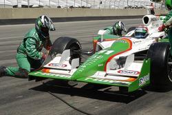 Tony Kanaan has new tires