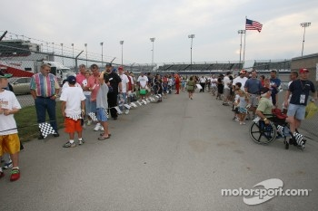 Line for the autograph session