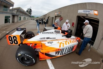 Car of Dan Wheldon, Bryan Herta Autosport with Curb / Agajanian