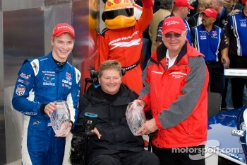 Victory lane: race winner Josef Newgarden, Sam Schmidt Motorsports celebrates with Sam Schmidt