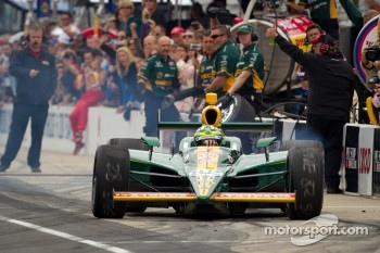 Pit stop challenge: Tony Kanaan, KV Racing Technology-Lotus