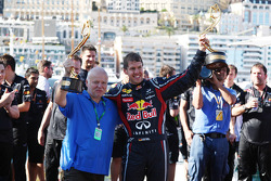 Norbert Vettel, Red Bull Racing, Sebastian Vettel, Red Bull Racing, celebrates with the team