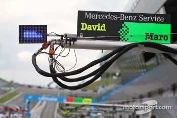 Pitsign of David Coulthard, Mcke Motorsport, AMG Mercedes C-Klasse and Maro Engel, Mcke Motorsport, AMG Mercedes C-Klasse