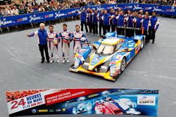 #10 Team Oreca Matmut Peugeot 908 HDI-FAP: Nicolas Lapierre, Loic Duval, Olivier Panis