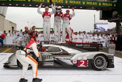 Race winners Marcel Fässler, André Lotterer, Benoit Tréluyer celebrate