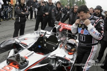 Tony Stewart getting ready for his run in the McLaren