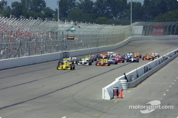The start: Sam Hornish Jr. leading the field