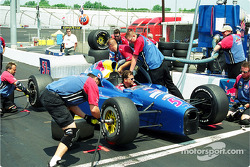 Team Cheever practicing pitstop
