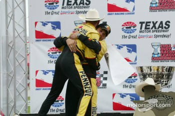 Race winner and IRL 2002 Champion Sam Hornish Jr. with crew chief