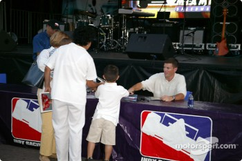 Toyota Indy Feat held in South Beach, Miami: autograph session with Scott Sharp