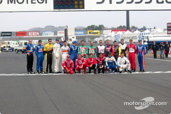 Family picture with IRL drivers