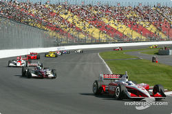Scott Dixon leads the field