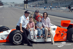 Tim Cindric, Gil de Ferran and family