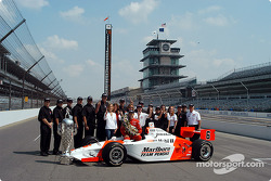Race winner Gil de Ferran with Team Penske