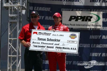 Tomas Scheckter receives Texas pole award