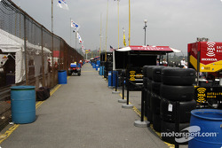 Back of pit lane will be mobbed on race day