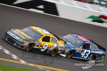 Marcos Ambrose, Petty Motorsport Ford, A.J. Allmendinger, Richard Petty Motorsports Ford