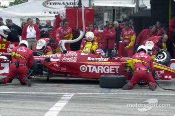 Pitstop for Nicolas Minassian