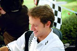 Christiano de Matta signing autographs