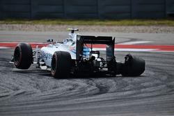 Valtteri Bottas, Williams FW38 with a puncture