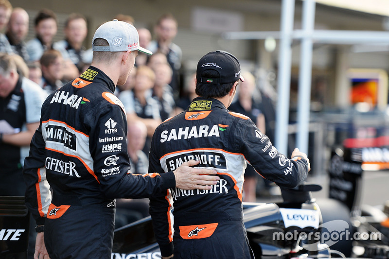 (L to R): Nico Hulkenberg, Sahara Force India F1 and Sergio Perez, Sahara Force India F1 at a team photograph