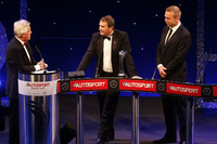 Speciale Foto - Nigel Mansell sul palco con Sir Chris Hoy e Steve Rider dopo aver ricevuto il Gregor Grant Award