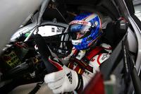 Endurance Foto's - #912 Manthey Racing Porsche 911 GT3R: Frédéric Makowiecki